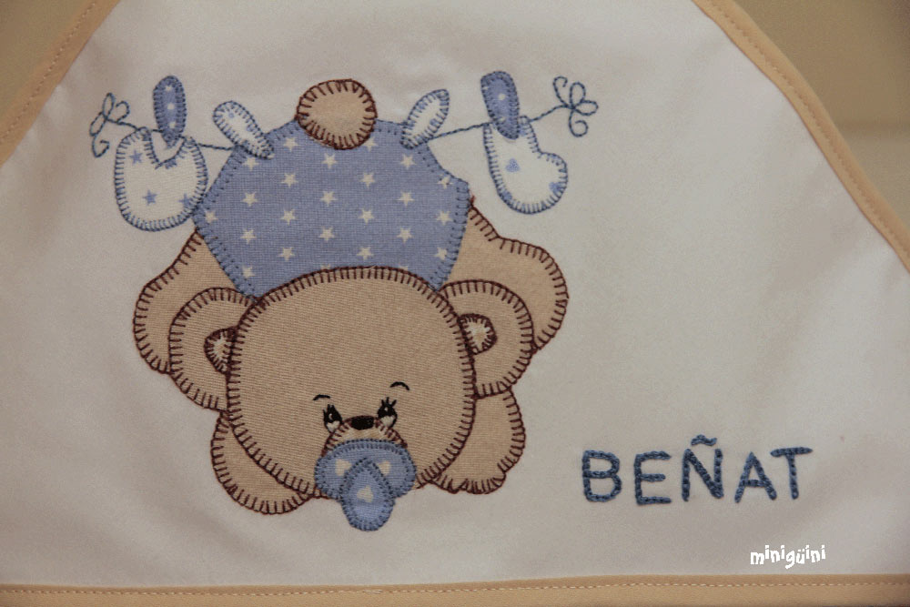 Capa baño oso y nombre detalle